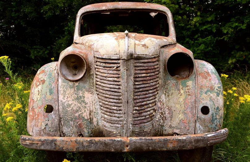 auto-2465880_1920